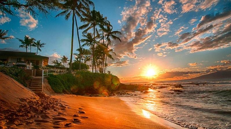 Non si poteva che cominciare dalle Hawaii, paradiso terrestre per antonomasia